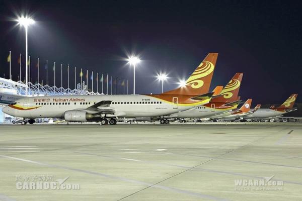 配图:凤凰机场飞机过夜停场数量已达49架 (图 冷子豪)